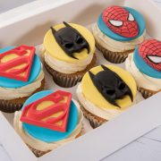 emma-cupcakes-box-super-hero